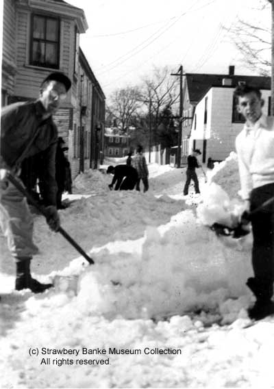 Shoveling snow in Puddle Dock around 1940/ Strawbery Banke Collection
