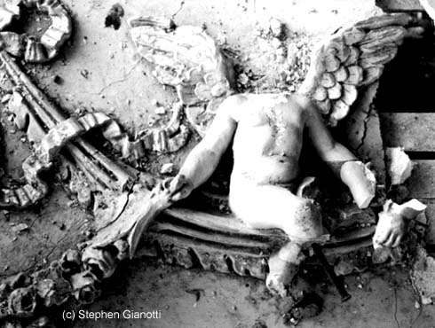 Headless plaster cupid at Wentworth by the Sea in 1982/ Photo by Stephen Gianotti