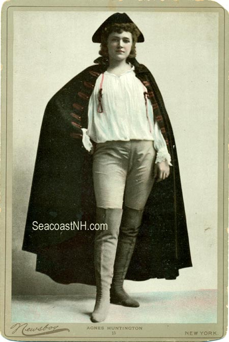 Agnes Huntington as Paul Jones in 1890 / SeacoastNH.com