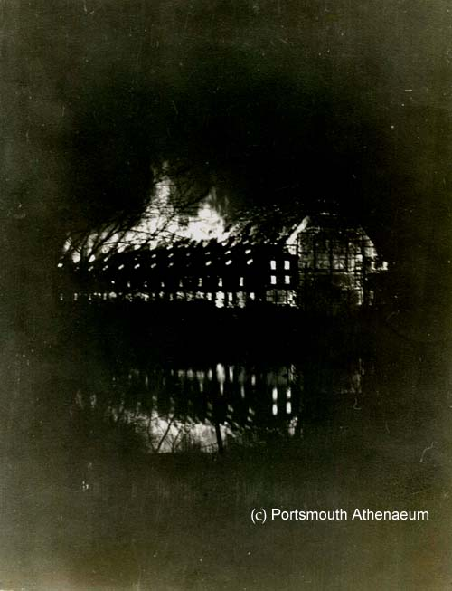 Franklin Shiphouse burning in 1936 / Portsmouth Athenaeum photo on SeacaostNH.com