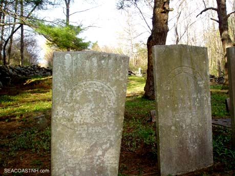 Early 19th century Odiorne grave markers in Rye, NH / SeacoastNH.com