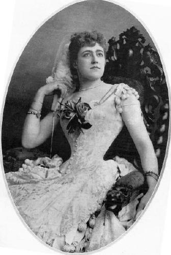 Actress Agnes Huntington